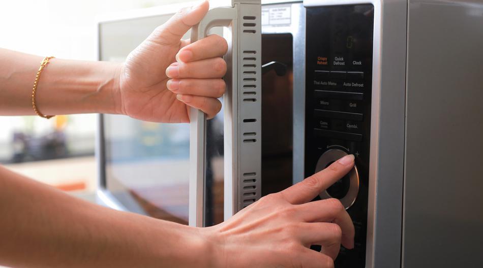 Ovih šest pametnih trikova s mikrovalnom pećnicom olakšat će tvoj kuhinjski život