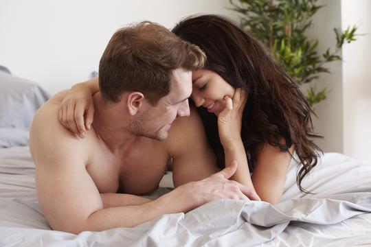 gay momci imaju grub seks