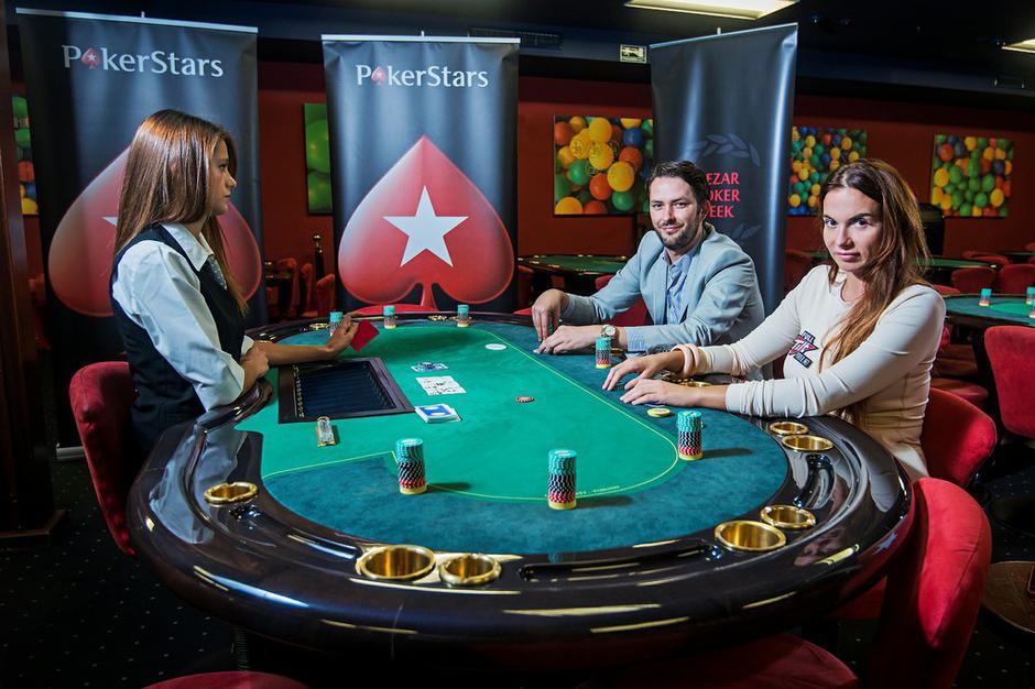 Online upoznavanje pokera
