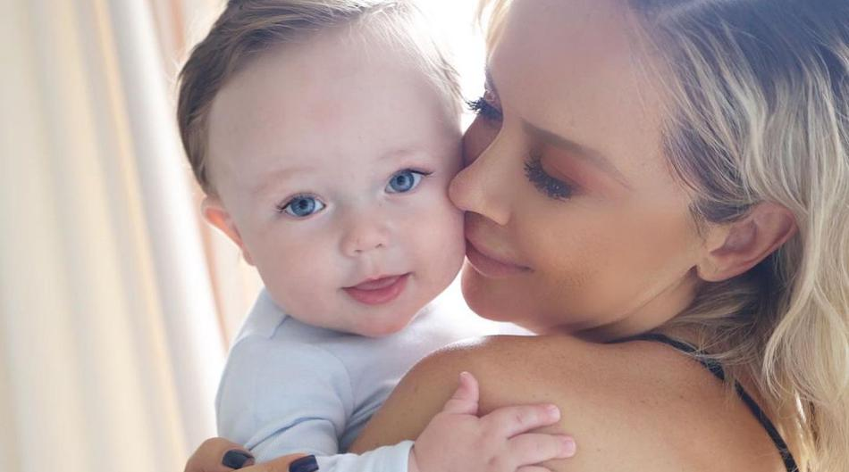 """Maja Šuput sve raznježila novom fotkom sa sinčićem: """"Koliko pusa je dozvoljeno na dan, jer ja ću ga pojesti"""""""